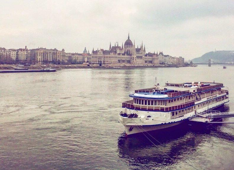 budapest-boat
