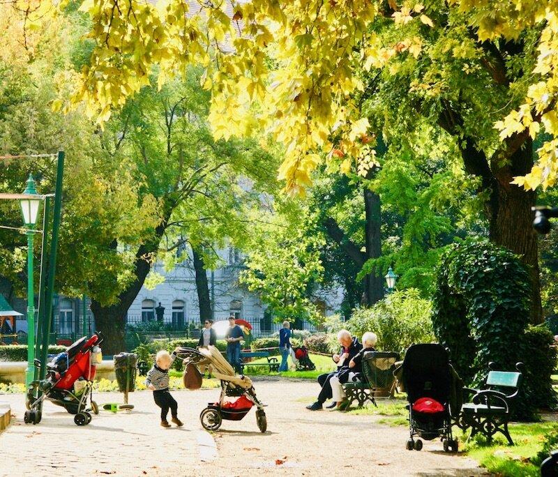 Budapest-spring-Karolyi kert