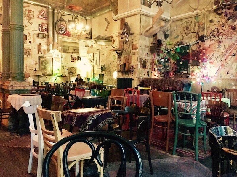 budapest-laptop-cafe-csendes