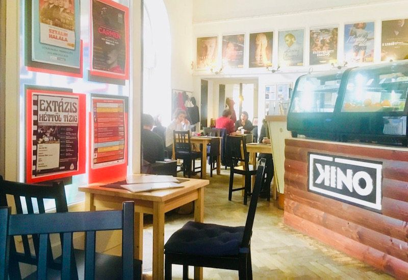 budapest-laptop-cafe-kino