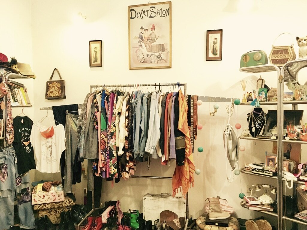 Budapest in Winter - Things to do - vintage shop