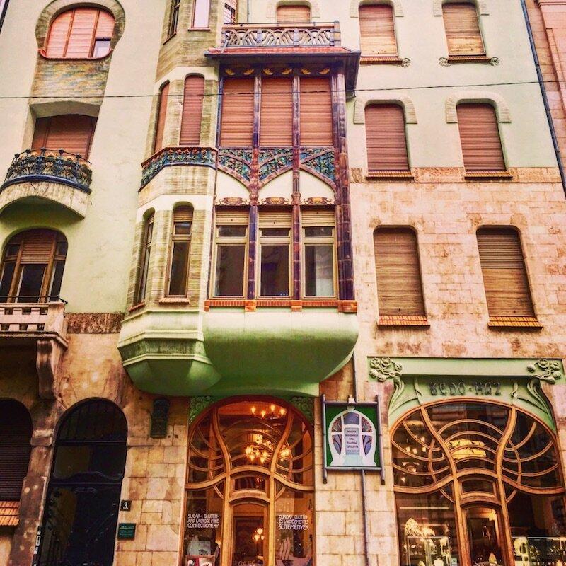cozy cafes budapest